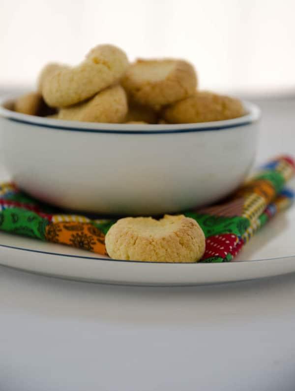 biscoitosde fubá com coco -receita fácil e economica